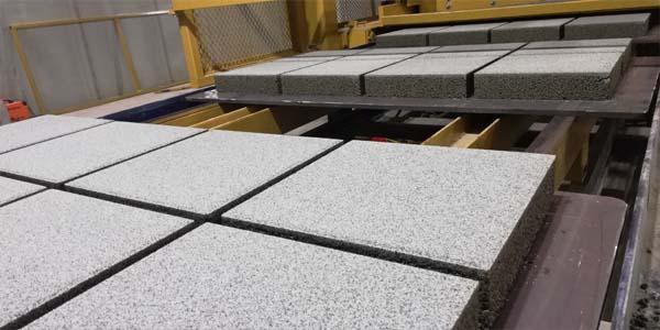 Planetary mixer used to produce concrete bricks